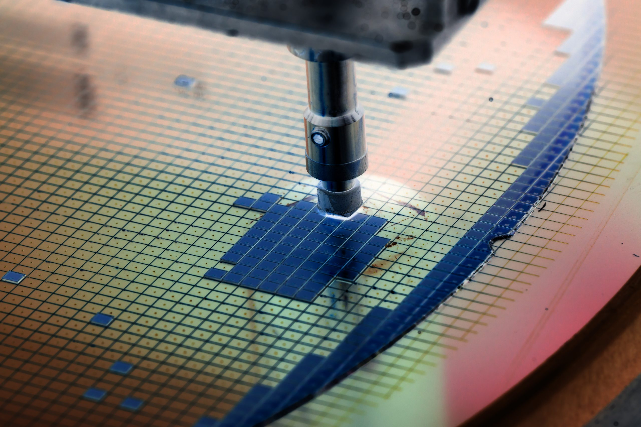 Silicon,Wafer,In,Die,Attach,Machine,In,Semiconductor,Manufacturing